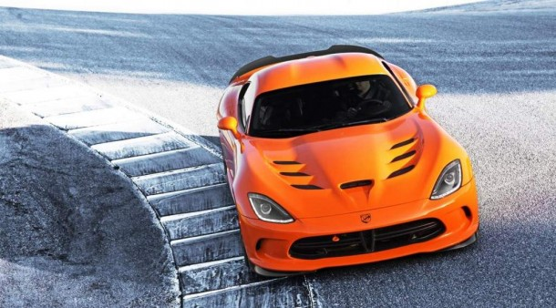 2014 Dodge Viper SRT front view