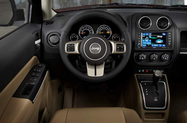 2015 Jeep Patriot interior