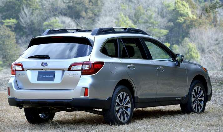 2015 Subaru Outback rear view