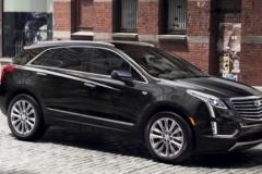 2017 Cadillac XT5 side 1