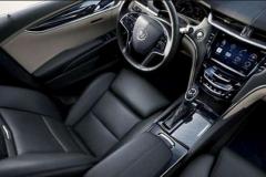 2017 Cadillac XT5 interior 2