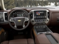 2017 Chevrolet Colorado interior 2