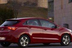 2017 Hyundai i30 side 1