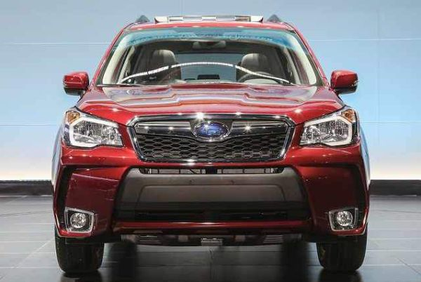 2017 Subaru Forester front