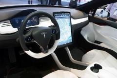 2017 Tesla Model X interior 1