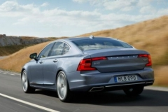 2017 Volvo S90 rear view 2