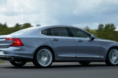 2017 Volvo S90 side view 3